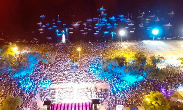 Este martes se abre el escenario de la   Fiesta de la Playa con entrada gratuita