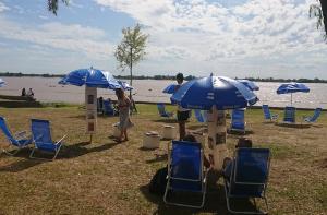 Lectura en playa: una propuesta para el verano rosarino
