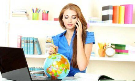 La labor del agente de viajes está mal paga y poco valorada