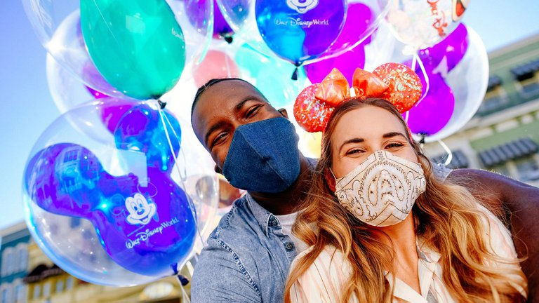 Disney World reabre sus puertas en medio del récord diario de muertes en Florida
