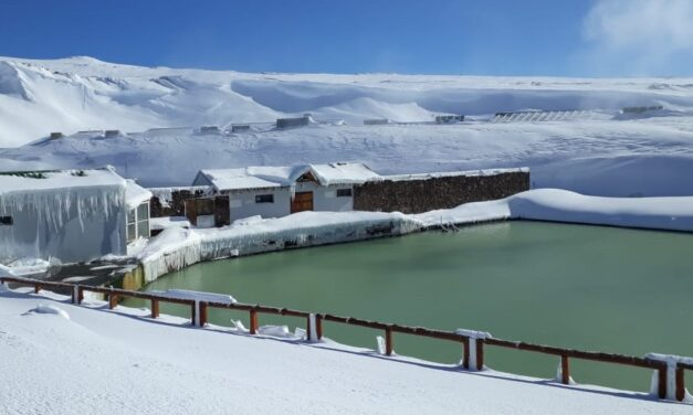 Copahue: el increíble espectáculo de las termas neuquinas bajo la nieve